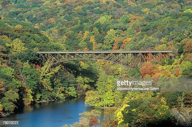 """""""the bear mountain bridge, located in bear mountain state park, new york, spans the hudson river"""" - bear mountain bridge stock pictures, royalty-free photos & images"""
