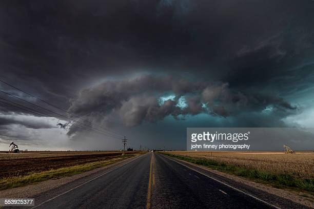 the bear's cage, tornado cloud over texas. - vanishing point stock pictures, royalty-free photos & images