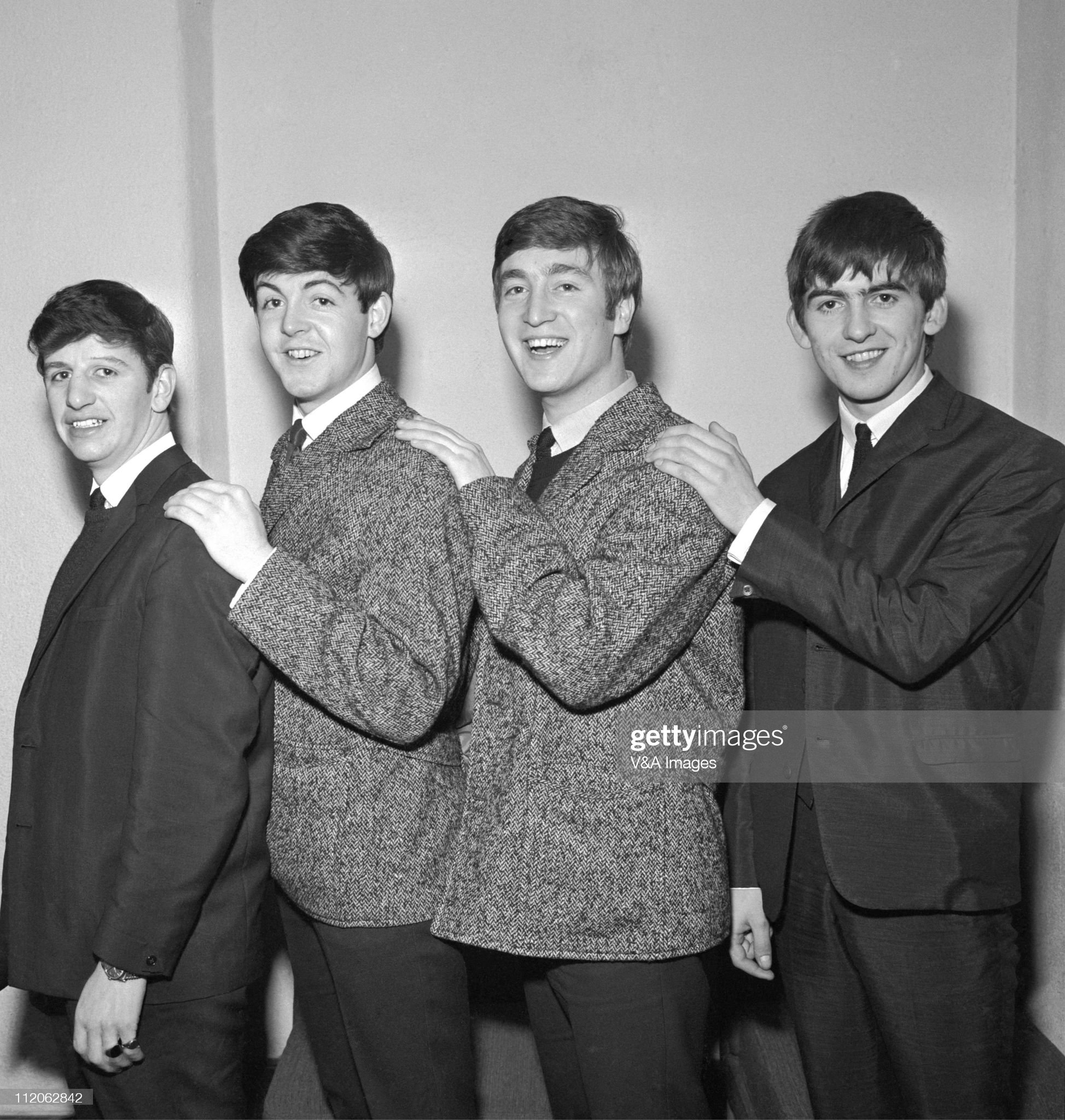 ¿Cuánto mide Paul McCartney? - Altura - Real height The-beatles-early-group-portrait-ringo-starr-paul-mccartney-john-picture-id112062842?s=2048x2048