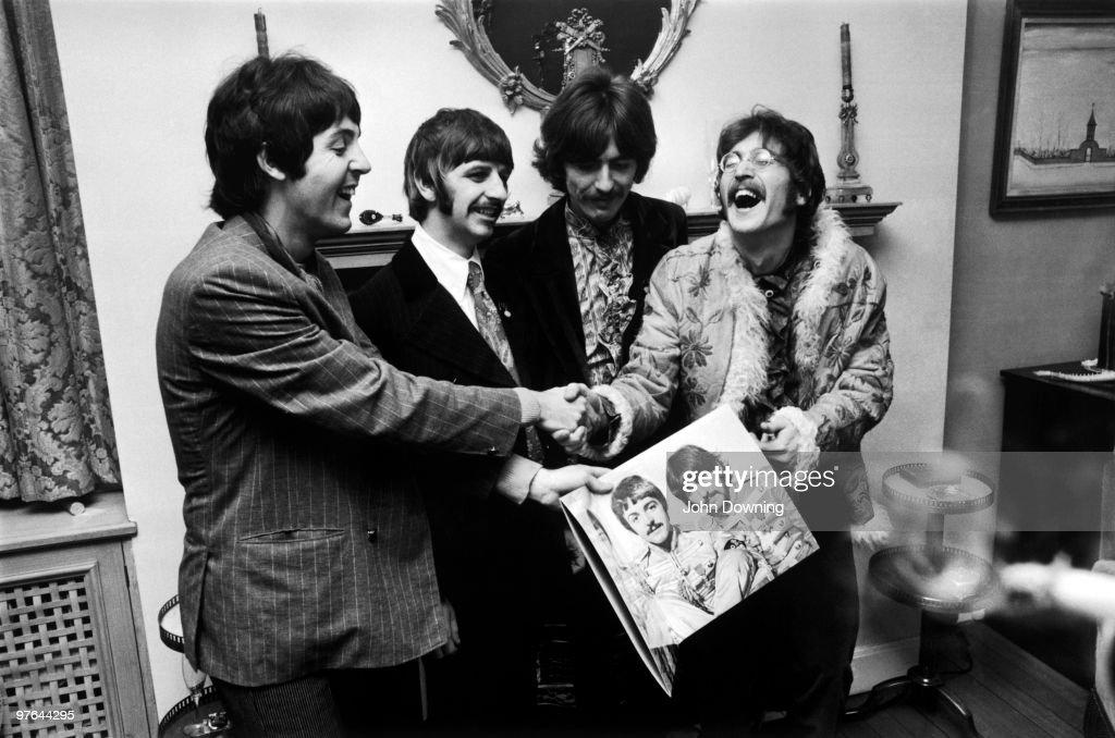 Laughing Beatles : News Photo