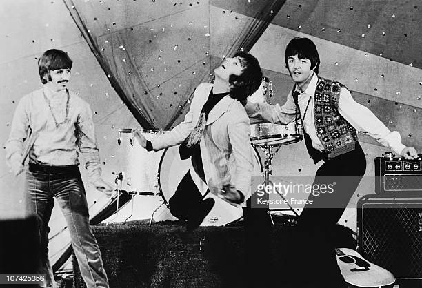 The Beatles Singing Hello Goodbye At The Tv During Sixties