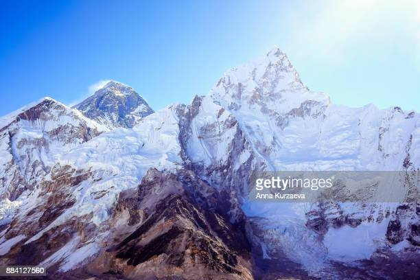 the beautiful landscape with the snow mountains including mt. everest and mt. lhotse from the peak of kala patthar in himalayas, nepal - nepal stock pictures, royalty-free photos & images