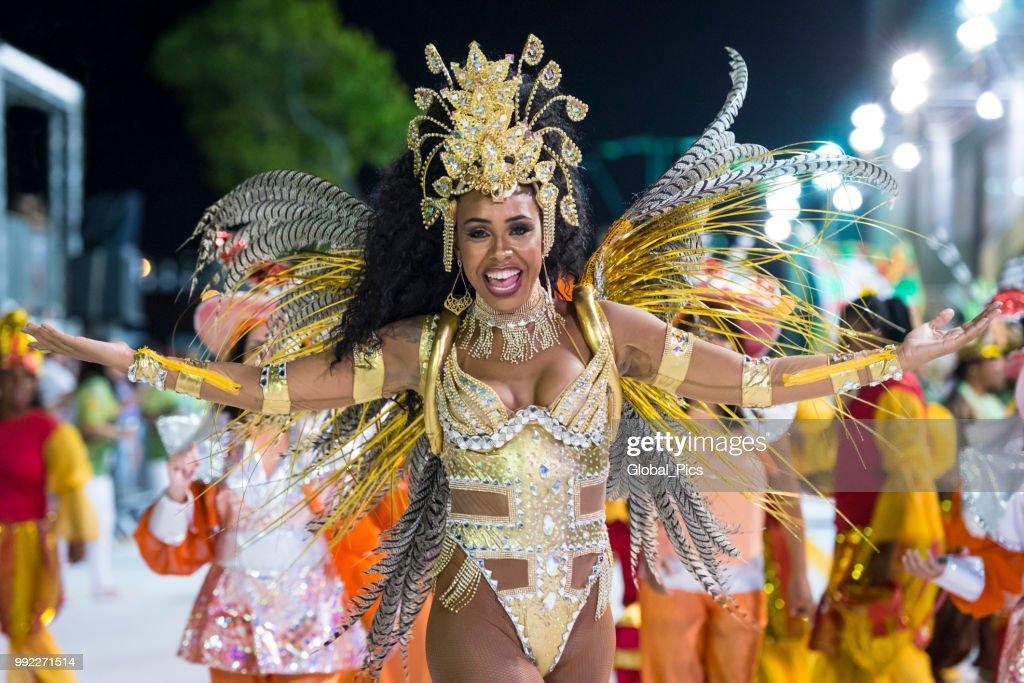 The beauty and passion of the Brazilian samba : Stock Photo