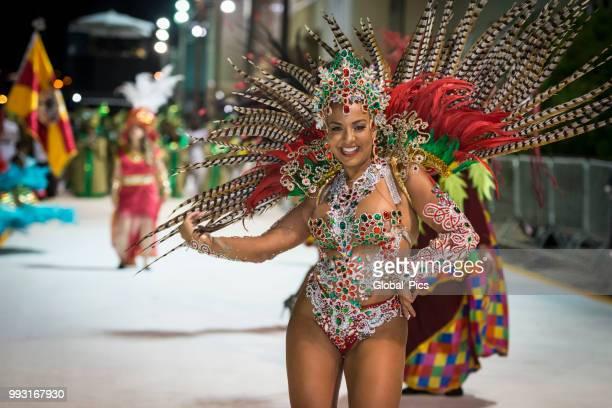 a beleza e a paixão do samba brasileiro - desfiles e procissões - fotografias e filmes do acervo