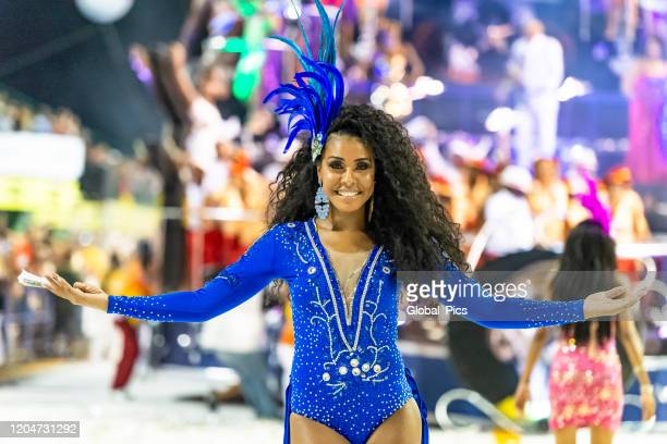 the beauty at the brazilian carnaval - samba stock pictures, royalty-free photos & images