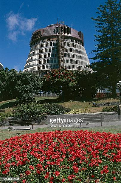 The Beehive, 1969-1979, executive wing of the New Zealand parliament buildings, architect Basil Spence, Wellington, North island. New Zealand, 20th...
