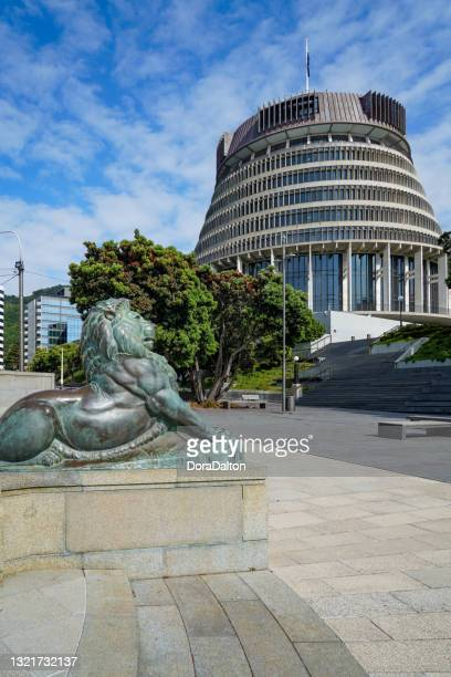 the beehive building, new zealand's parliament building,  wellington, north island, new zealand - parliament house new zealand stock pictures, royalty-free photos & images