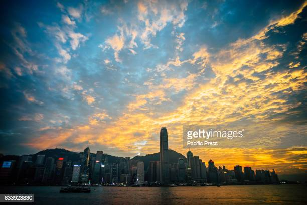 The beginning of spring Victoria Harbor the sky appears with an amazing sunset