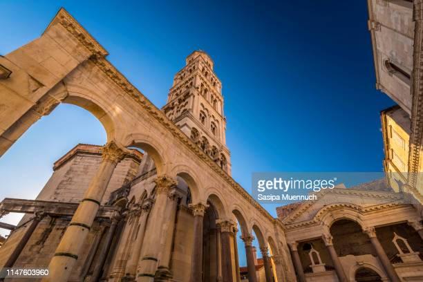 the bell tower of st. domnius - croacia fotografías e imágenes de stock