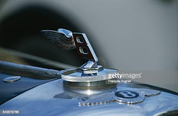 The Bentley emblem