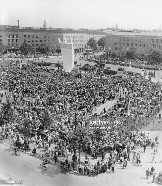 The Berlin Airlift monument is unveiled on the 10th of July in 1951.