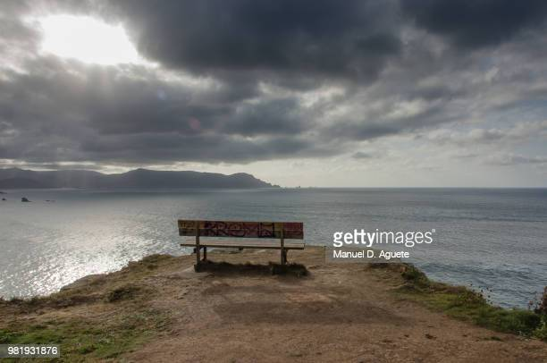 the best bench in the world - galizia foto e immagini stock