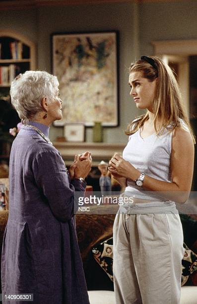 SUSAN 'The Best Laid Plans' Episode 3 Aired 9/3/96 Pictured Barbara Barrie as Helen 'Nana' Keane Brooke Shields as Susan Keane Photo by Alice S...