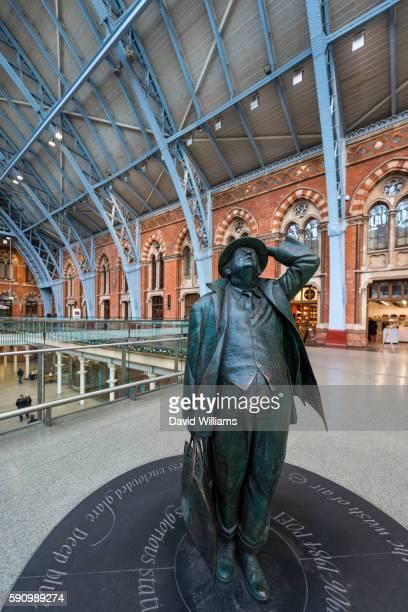 The Betjeman statue at London St Pancras railway station