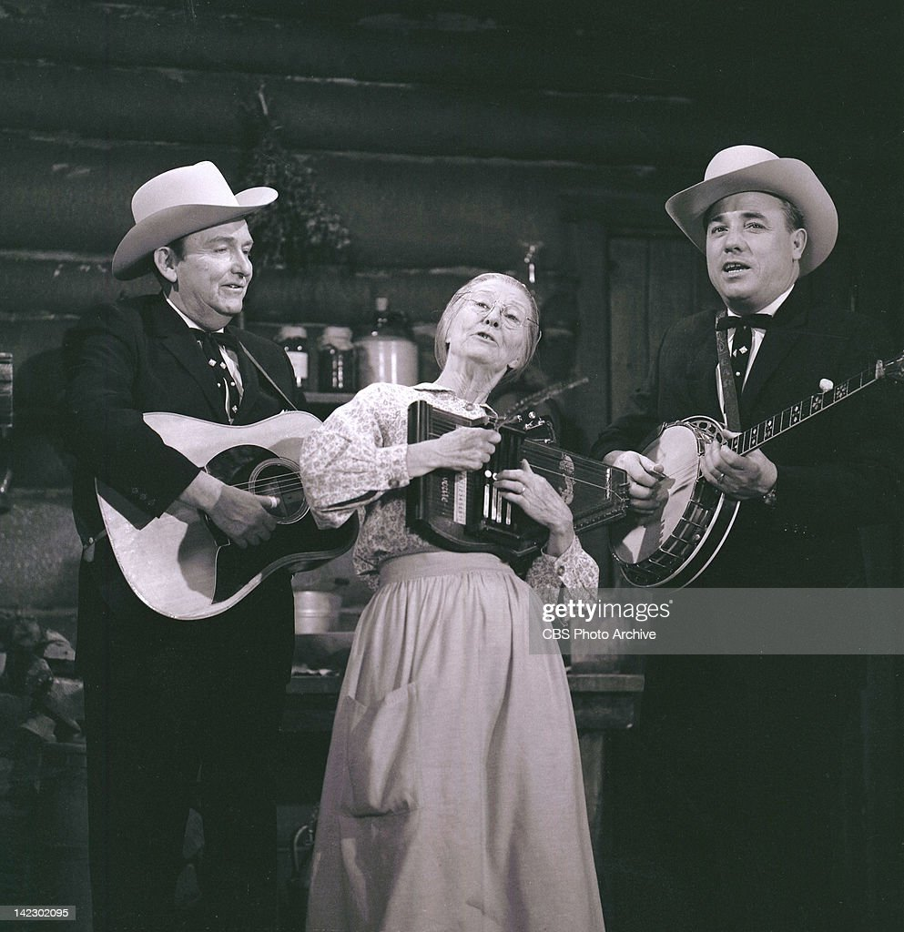 39 flatt clampett and scruggs 39 featuring lester flatt with guitar news photo getty images for Beverly hillbillies swimming pool