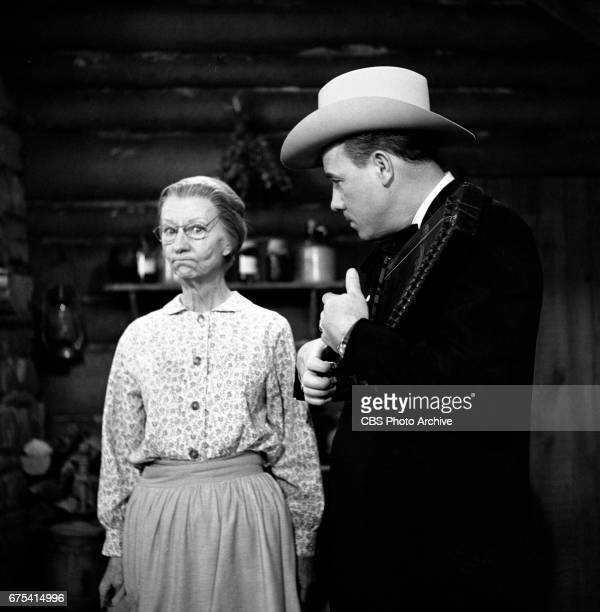 The Beverly Hillbillies The Beverly Hillbillies episode Flatt Clampett and Scruggs Pictured is Irene Ryan and banjo player Earl Scruggs Originally...