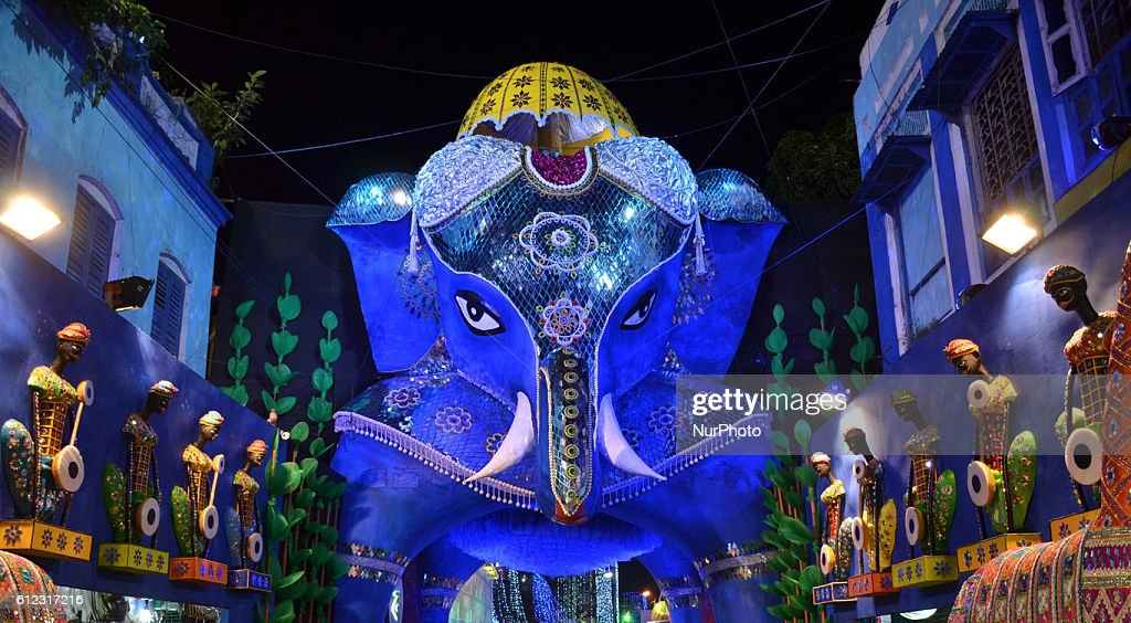 Durga Puja Festival in Kolkata : News Photo