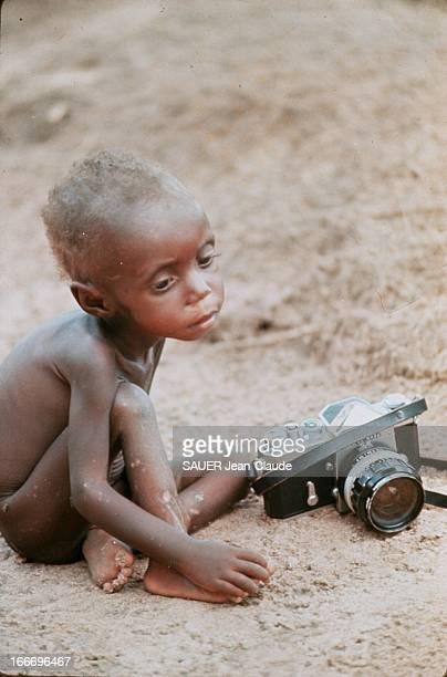 The Biafra War Of 1967 To 1970 The Ibos Victims Of Famine Les Ibos peuplant le Biafra région du SudEst du NIGERIA en sécession enfant biafrai...