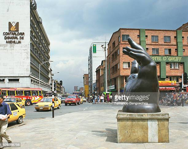 the big hand by fernando botero in plaza botero - fernando bengoechea stock pictures, royalty-free photos & images