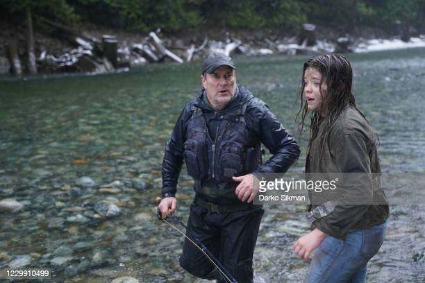 The Big Rick Still on the search for the missing girls, Cassie grows more suspicious of Legarski after a threatening conversation between the two....