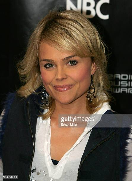 The Biggest Loser contestant Suzy Preston arrives at the 2005 Radio Music Awards at the Aladdin Theatre for the Performing Arts on December 19 2005...