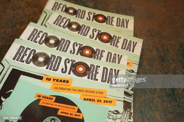 DAY 2017 The biggest music event in the world Soultrade Recordstore Zahlreiche Kunden und VinylSammler fiebern dem RECORD STORE DAY 2017 zum Stöbern...
