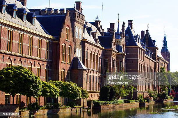 the binnenhof castle in the hague netherlands - binnenhof stock photos and pictures