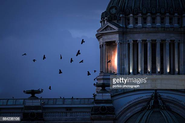 The Birds and Ananta Samakhom Throne Hall