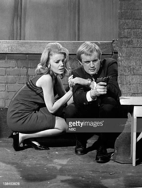 E 'The Birds and Bees Affair' Episode 18 Aired Pictured Ahna Capri as Tavia Sandor David McCallum as Illya Kuryakin