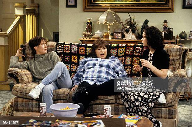 ROSEANNE 'The Birds and the Frozen Bees' Season Seven 5/10/95 Laurie Metcalf Roseanne Barr Sara Gilbert on the ABC Television Network comedy...