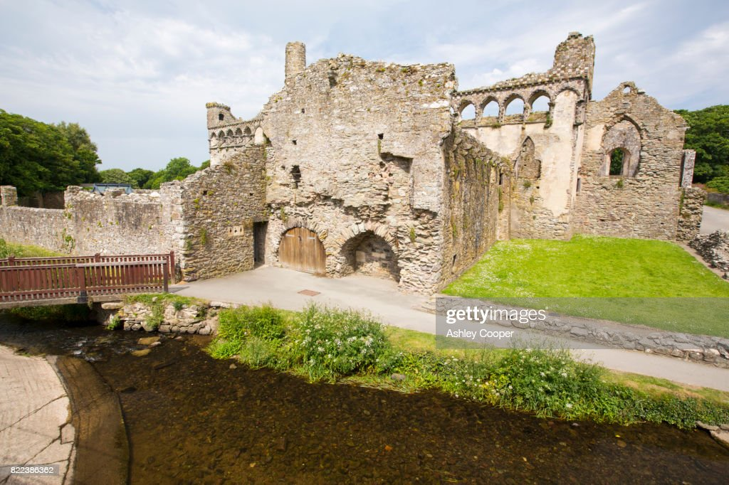 The Bishops Palace at St Davids Cathedral in St Davids, Pembrokeshire, Wales, UK. : Stock Photo