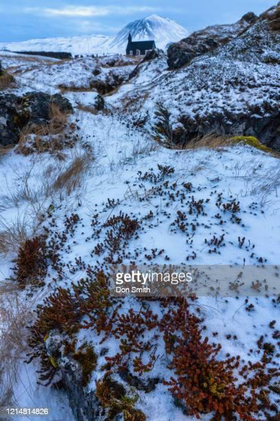 the black church of budir, snaefellsness peninsula, iceland - don smith stockfoto's en -beelden