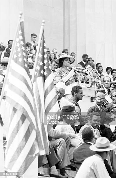 The Black March In Washington For Jobs And Freedom Le 28 août 1963 à Washington la 'Marche des noirs' pour les droits civiques à la tribune Mahalia...