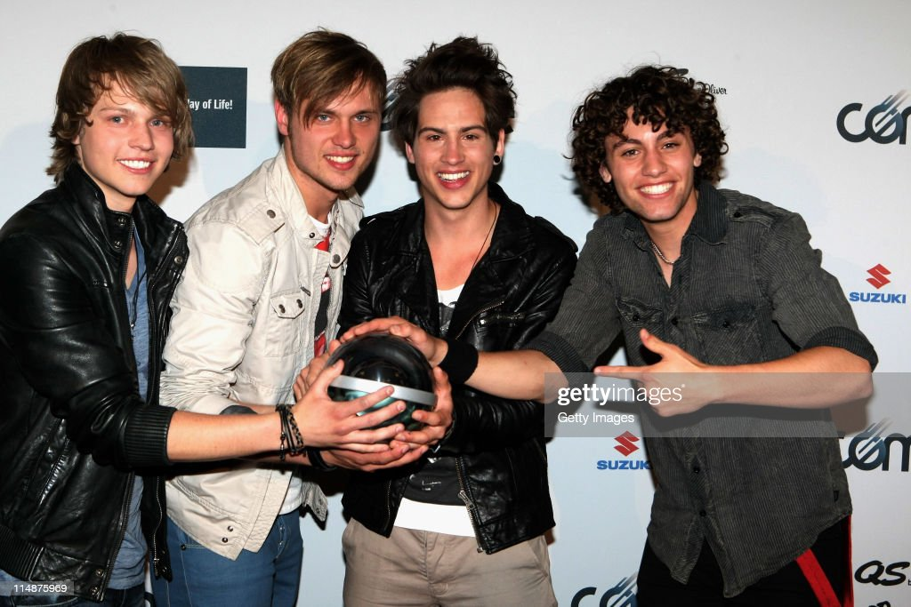 The Black Pony pose with the award the VIVA Comet 2011 Awards at Koenig-Pilsner Arena on May 27, 2011 in Oberhausen, Germany.