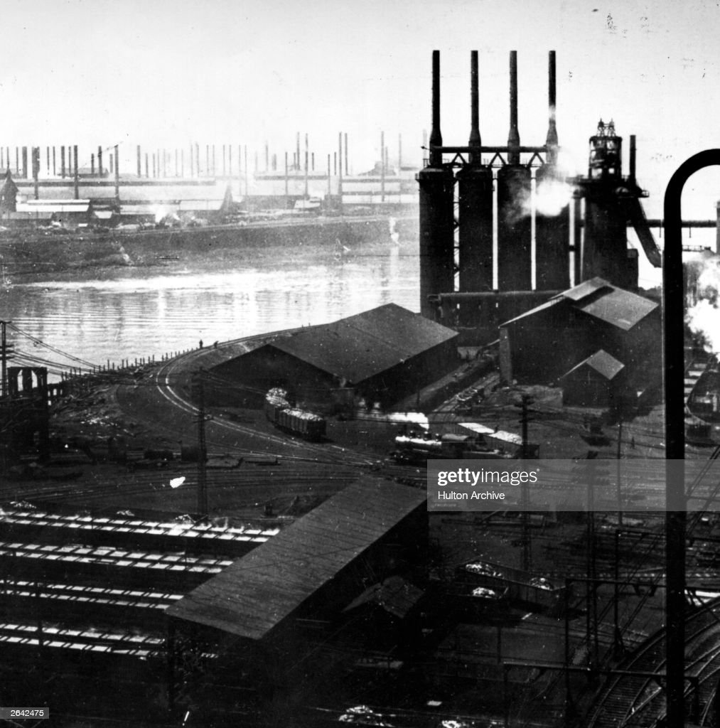 The blast furnaces and rolling mills of the Homestead Steel Works, Pittsburgh. From a stereograph.