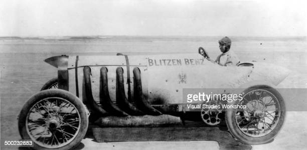 The Blitzen Benz roadster a chaindriven car which Barney Oldfield once drove and later sold it to Bob Burman who made the time of 2840 seconds for...