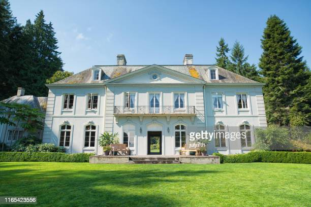 the bloedel reserve mansion - kitsap county washington state stock pictures, royalty-free photos & images
