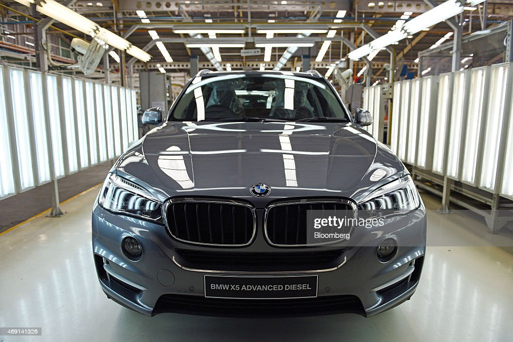 Launch of New BMW X5 Advanced sel SUV in Indonesia and Tour of ... on bmw 320i indonesia, bmw 323i indonesia, bmw x3 indonesia, honda crv indonesia, range rover evoque indonesia, honda hr-v indonesia,