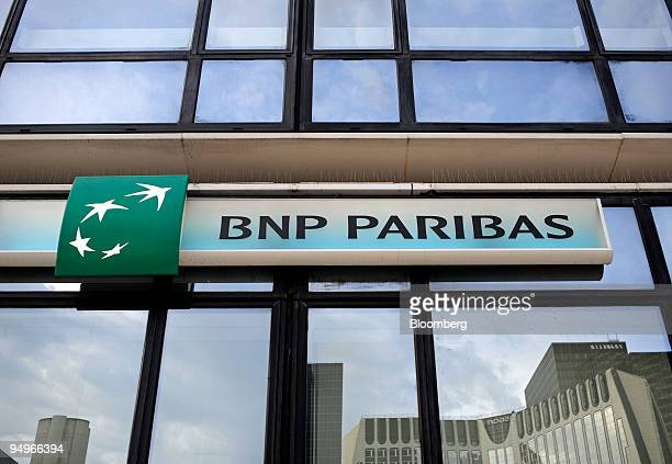 The BNP Paribas logo is seen at one of the bank's offices in Paris, France, on Thursday, July 30, 2009. BNP Paribas SA, France's largest bank,...