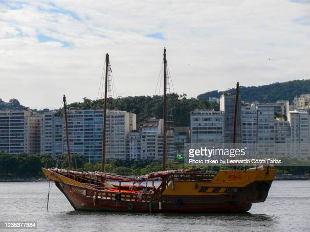 the boat - leonardo costa farias stock pictures, royalty-free photos & images