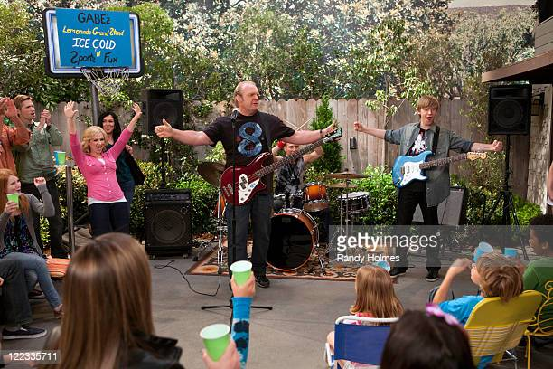 CHARLIE The Bob Duncan Experience Gabe and his friend Leo start a lemonade stand but when they can't agree on certain details they go their separate...