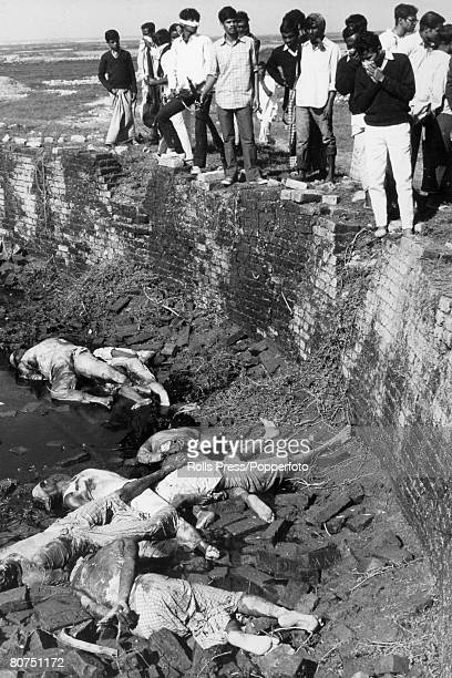 War and Conflict Asia Bangladesh Dhaka pic 21st December 1971 The bodies of Bengali intellectuals professors and journalists who were tortured and...