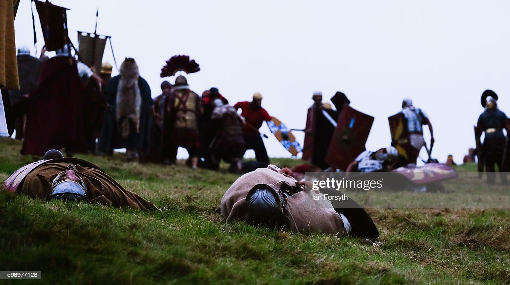 Enthusiasts Re-enact Roman Times At Hadrian's Wall : Nieuwsfoto's