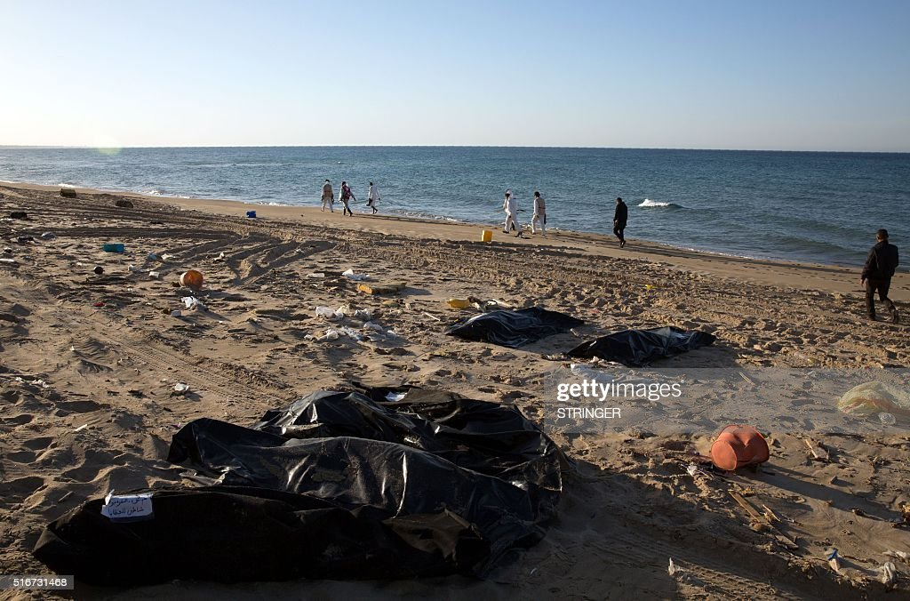 TOPSHOT-LIBYA-CONFLICT-MIGRANTS : News Photo