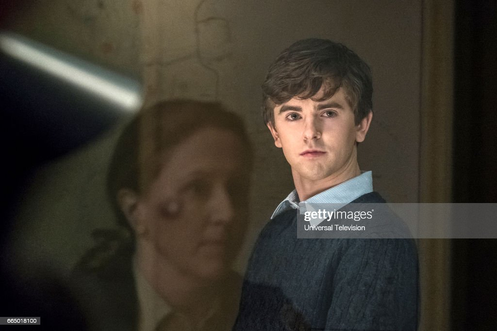 MOTEL -- 'The Body' Episode 508 -- Pictured: Freddie Highmore as Norman Bates --