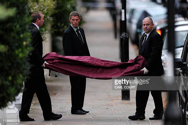 Amy Winehouse Dies At 27 Stock Photos and Pictures | Getty ...