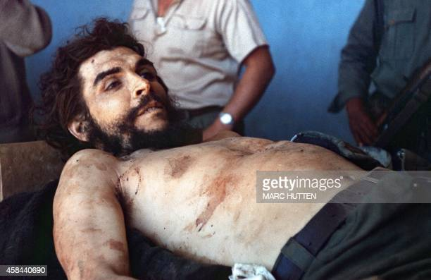 The body of Ernesto Che Guevara the Argentineborn hero of Latin American revolutionaries is on public display 10 October 1967 in Vallegrande Guevara...