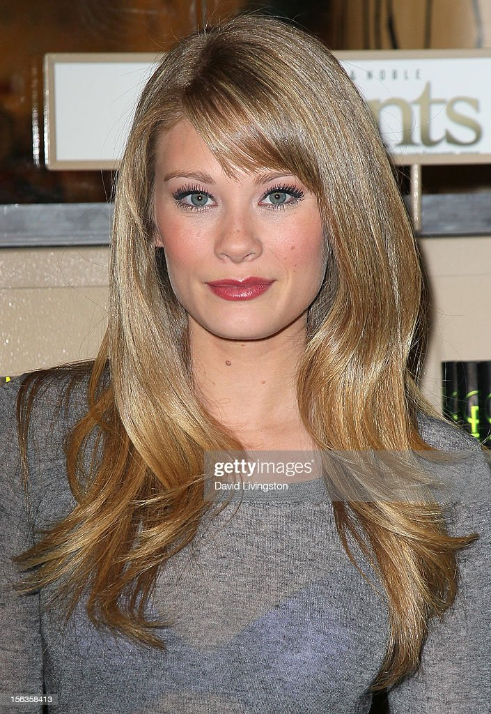 'The Bold and the Beautiful' cast member Kim Matula attends a signing for 'Becoming Bold & Beautiful' at Barnes & Noble bookstore at The Grove on November 13, 2012 in Los Angeles, California.