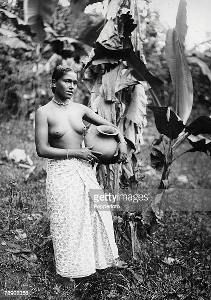 The Book Volume 1 Page Picture A picture of a young girl of Ceylon carrying a pot