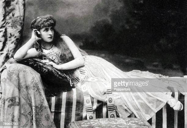 The Book Volume 1 Page Picture A picture of English actress Lillie Langtry circa1900